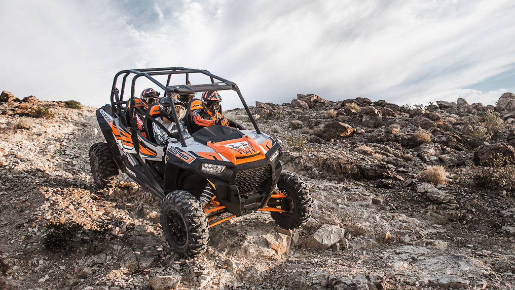rzr-xp-4-turbo-eps-media-4