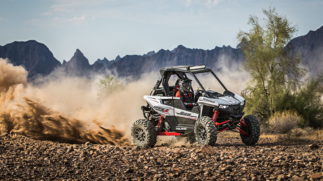 2018-rzr-rs1-white-lightning_six6284_00625
