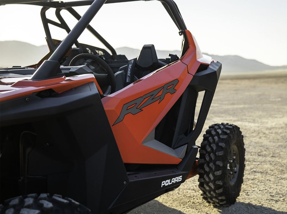 2020-rzr-pro-xp-ultimate-indy-red_7