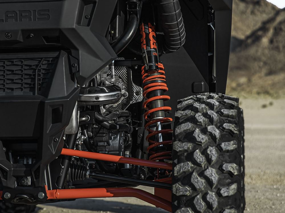 2020-rzr-pro-xp-ultimate-indy-red_9